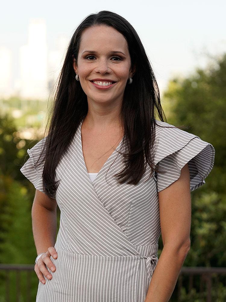 Dr. Amanda L. Garza, DDS